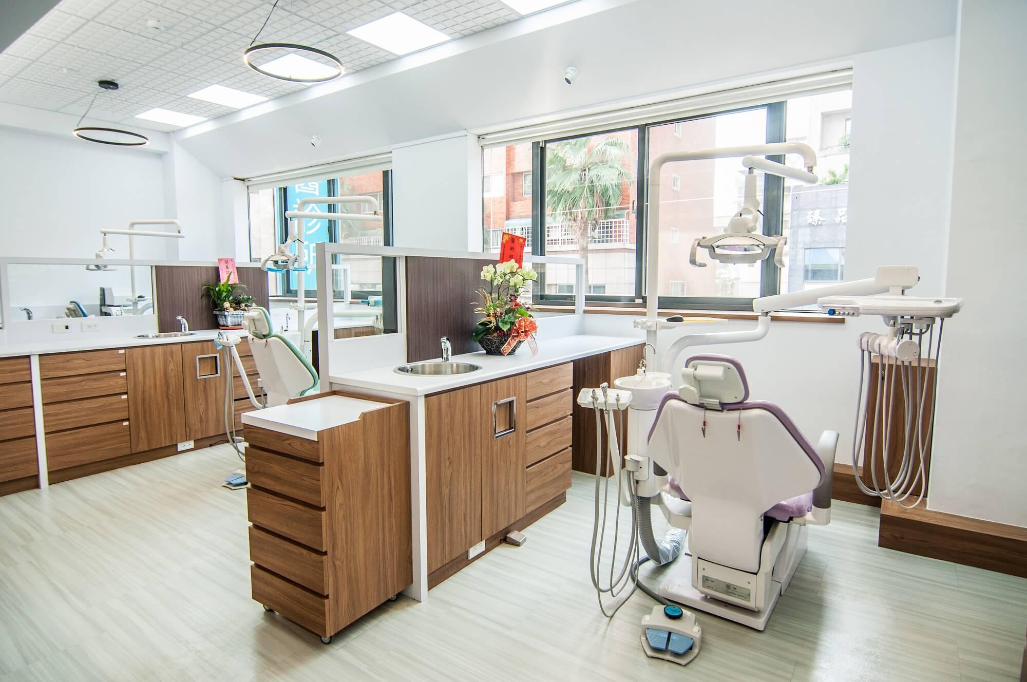 正百牙醫 二樓寬敞的診療區